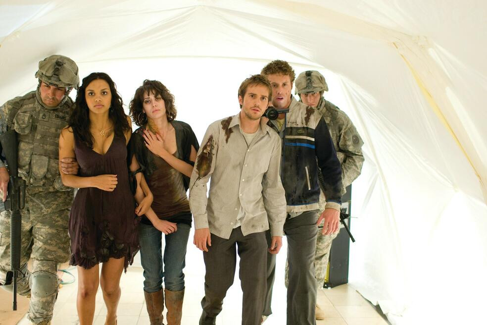 Cloverfield mit Lizzy Caplan, Mike Vogel und Jessica Lucas
