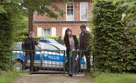 Polizeiruf 110: Einer für alle, alle für Rostock mit Charly Hübner und Anneke Kim Sarnau - Bild 29