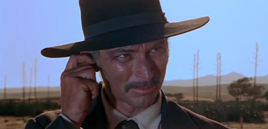 Der Colonel zieht den Hut in Für ein paar Dollar mehr