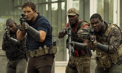 The Tomorrow War mit Chris Pratt und Sam Richardson - Bild 3