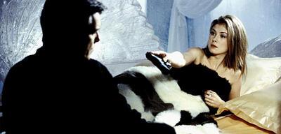 Rosamund Pike in Stirb an einem anderen Tag