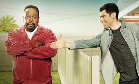 The Neighborhood, The Neighborhood - Staffel 1 mit Max Greenfield und Cedric the Entertainer - Bild 15
