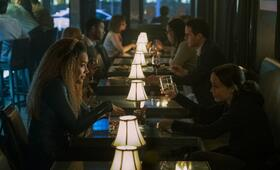 The Umbrella Academy, The Umbrella Academy - Staffel 1 mit Ellen Page und Emmy Raver-Lampman - Bild 7