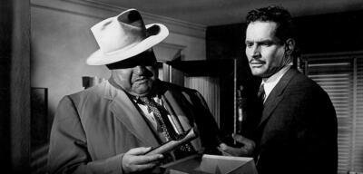 Orson Welles und Charlton Heston in Im Zeichen des Bösen