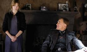 Léa Seydoux in Inglourious Basterds - Bild 79