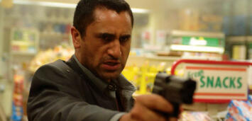 Bild zu:  Cliff Curtis in Crossing Over
