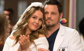 Grey's Anatomy - Staffel 14, Grey's Anatomy - Staffel 14 Episode 24 mit Justin Chambers und Camilla Luddington - Bild 24