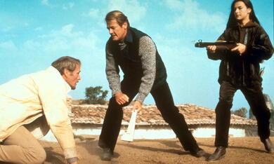 James Bond 007 - In tödlicher Mission mit Roger Moore und Carole Bouquet - Bild 2