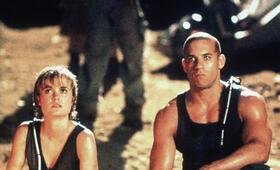 Pitch Black - Planet der Finsternis mit Vin Diesel und Radha Mitchell - Bild 22