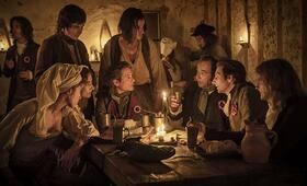 One Nation, One King mit Gaspard Ulliel, Adele Haenel, Olivier Gourmet und Izïa Higelin - Bild 7