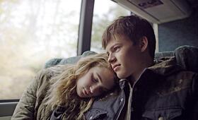 Mean Dreams mit Sophie Nélisse und Josh Wiggins - Bild 13