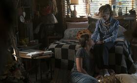 Here and Now, Here and Now - Staffel 1 mit Holly Hunter und Sosie Bacon - Bild 6