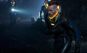 Prometheus - Dunkle Zeichen mit Sean Harris - Bild 10