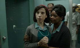 The Shape of Water mit Sally Hawkins und Octavia Spencer - Bild 3