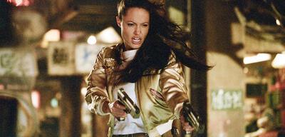 Angelina Jolie in Tomb Raider 2 - Die Wiege des Lebens