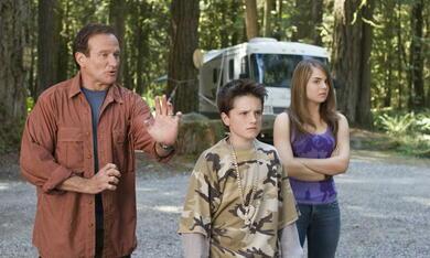 Die Chaoscamper mit Robin Williams, Josh Hutcherson und Joanna 'JoJo' Levesque - Bild 2