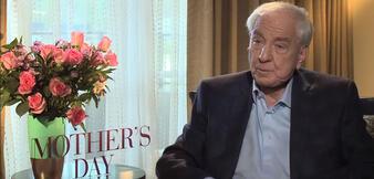 Garry Marshall bei einem Interview zu Mother's Day