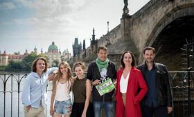 Die Diplomatin - Prager Nächte mit Natalia Wörner, Alexander Beyer, Roland Suso Richter, Valeria Eisenbart und Anna-Lena Schwing - Bild 13