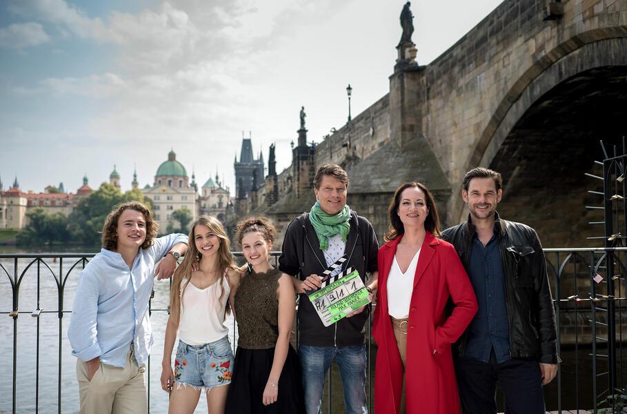Die Diplomatin - Prager Nächte mit Natalia Wörner, Alexander Beyer, Roland Suso Richter, Valeria Eisenbart und Anna-Lena Schwing