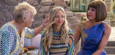 Mamma Mia! Here We Go Again mitJulie Walters,Amanda Seyfried und Christine Baranski