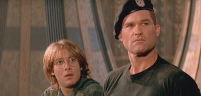 Kurt Russel und James Spader in Stargate