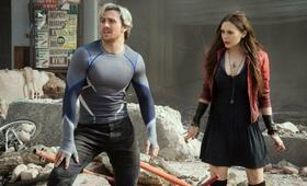 Marvel's The Avengers 2: Age of Ultron mit Aaron Taylor-Johnson und Elizabeth Olsen - Bild 5