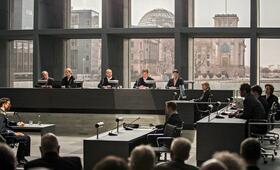 Terror - Ihr Urteil mit Florian David Fitz und Burghart Klaußner - Bild 6