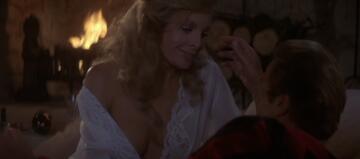 Gräfin Lisl von Schlaf in James Bond 007 - Auf tödlicher Mission