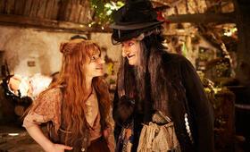 Die kleine Hexe mit Karoline Herfurth und Suzanne von Borsody - Bild 1