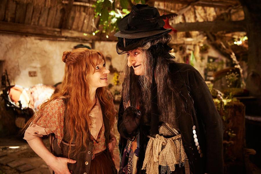 Die kleine Hexe mit Karoline Herfurth und Suzanne von Borsody