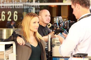 Kristen Bell am Set von Veronica Mars