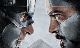 The First Avenger: Civil War mit Robert Downey Jr. - Bild 175