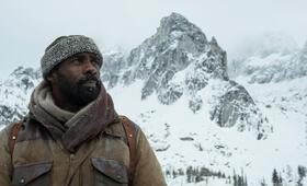 Zwischen zwei Leben - The Mountain Between Us mit Idris Elba - Bild 17
