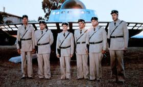 Louis unheimliche Begegnung mit den Außerirdischen mit Louis de Funès, Michel Galabru, Michel Modo, Guy Grosso, Jean-Pierre Rambal und Maurice Risch - Bild 5
