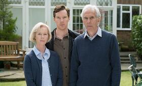 Ein Kind zur Zeit - A Child in Time mit Benedict Cumberbatch, Richard Durden und Geraldine Alexander - Bild 48