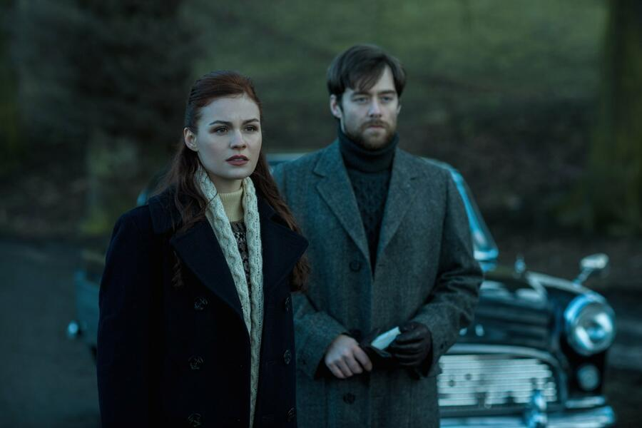 Outlander, Staffel 2 mit Richard Rankin und Sophie Skelton