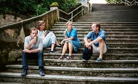 Adam und Evelyn mit Lena Lauzemis, Florian Teichtmeister, Anne Kanis und Milian Zerzawy - Bild 2