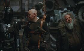 The Mandalorian, The Mandalorian - Staffel 1 Episode 6, The Mandalorian - Staffel 1 mit Pedro Pascal, Mark Boone Junior und Bill Burr - Bild 2