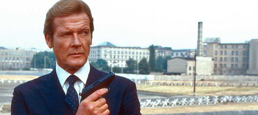 James bond 007 in todlicher mission mit roger moore+schnitt
