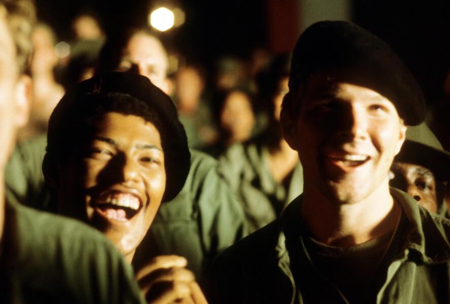 Apocalypse Now mit Laurence Fishburne und Sam Bottoms