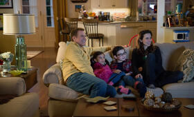 Daddy's Home mit Will Ferrell, Linda Cardellini und Scarlett Estevez - Bild 3