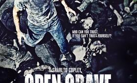Open Grave mit Sharlto Copley - Bild 22
