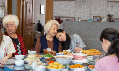 The Farewell mit Awkwafina und Shuzhen Zhao - Bild 4