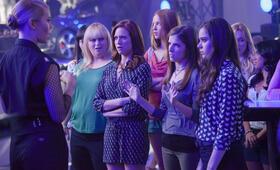 Pitch Perfect 2 mit Anna Kendrick, Hailee Steinfeld, Rebel Wilson, Brittany Snow und Alexis Knapp - Bild 15