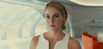 Shailene Woodley alsBeatrice 'Tris' Prior