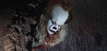 Es - Bill Skarsgard als Clown Pennywise