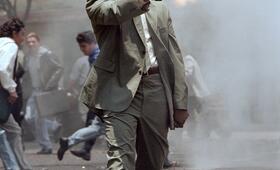 Denzel Washington in Mann unter Feuer - Bild 183