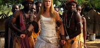 Bild zu:  Wolke Hegenbarth reist im Brautkleid durch Afrika