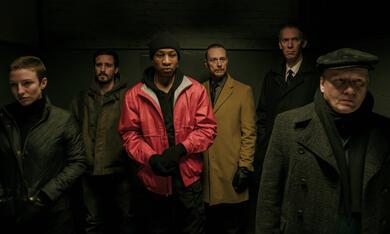 Captive State mit James Ransone, Ben Daniels, Lawrence Grimm, Jonathan  Majors und Caitlin Ewald - Bild 7