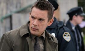 Regression mit Ethan Hawke - Bild 5
